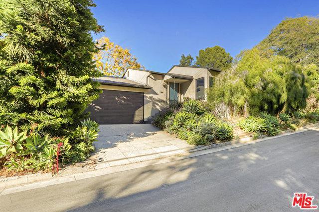 3909 Prospect Avenue, Los Angeles (City), CA 90027 (MLS #18411172) :: Hacienda Group Inc