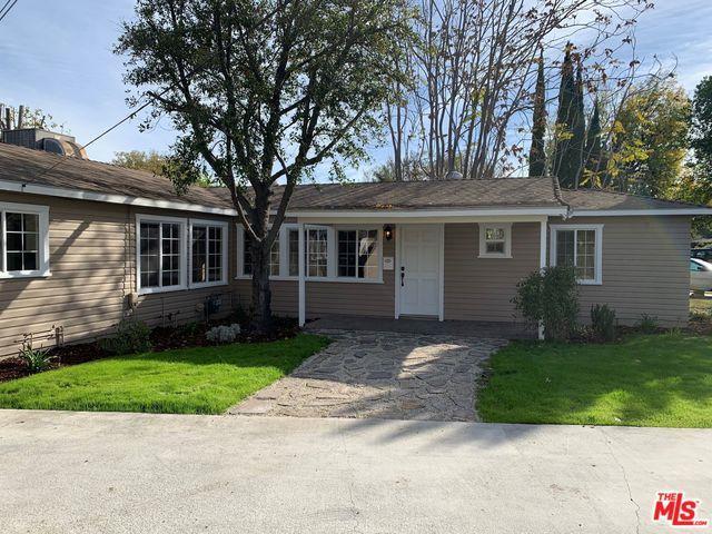 6552 Nagle Avenue, Valley Glen, CA 91401 (MLS #18411340) :: The Sandi Phillips Team