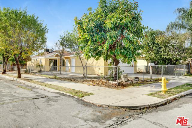 1037 W 8th Street, San Bernardino (City), CA 92411 (MLS #18412432) :: Deirdre Coit and Associates