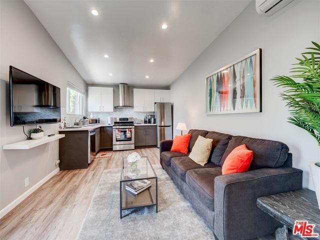 5835 Topeka Drive, Tarzana, CA 91356 (MLS #18412684) :: The John Jay Group - Bennion Deville Homes