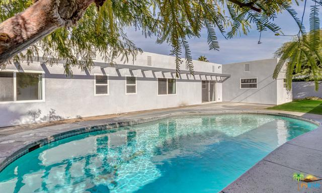 2239 E Powell Road, Palm Springs, CA 92262 (MLS #18412928PS) :: Brad Schmett Real Estate Group