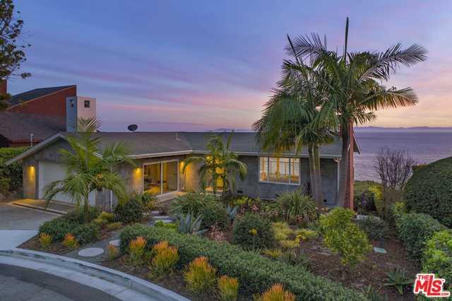 2011 Edgewater Way, Santa Barbara, CA 93109 (MLS #18413194) :: The John Jay Group - Bennion Deville Homes