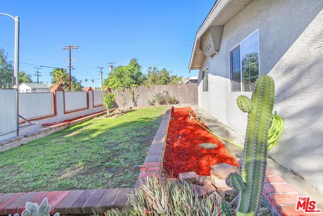 11812 Borden Avenue, Pacoima, CA 91331 (MLS #18413250) :: The Sandi Phillips Team