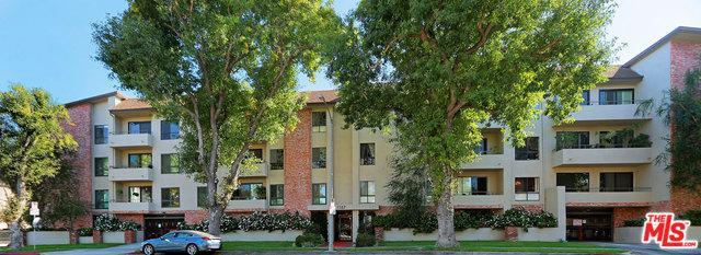 1167 Roxbury Drive #304, Los Angeles (City), CA 90035 (MLS #18413570) :: The Jelmberg Team