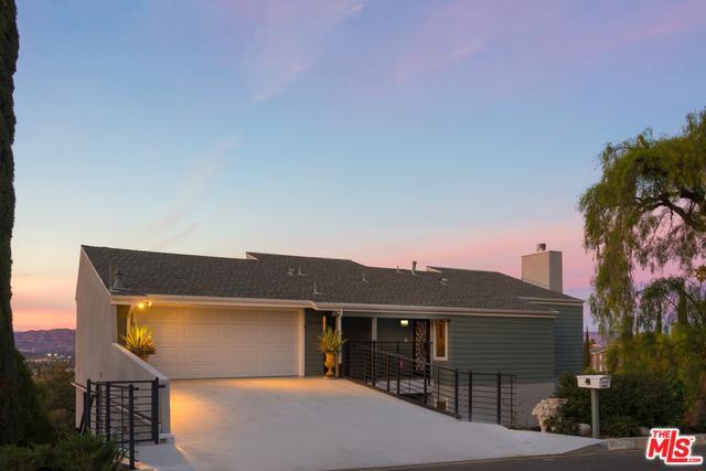 21619 Arcos Drive, Woodland Hills, CA 91364 (MLS #18413578) :: Hacienda Group Inc