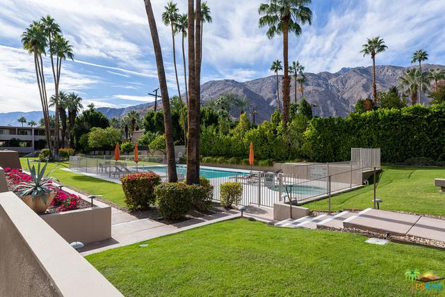 197 W Via Lola #1, Palm Springs, CA 92262 (MLS #18413636PS) :: Brad Schmett Real Estate Group