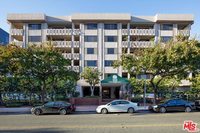 1118 3rd Street #503, Santa Monica, CA 90403 (MLS #18413722) :: The Jelmberg Team