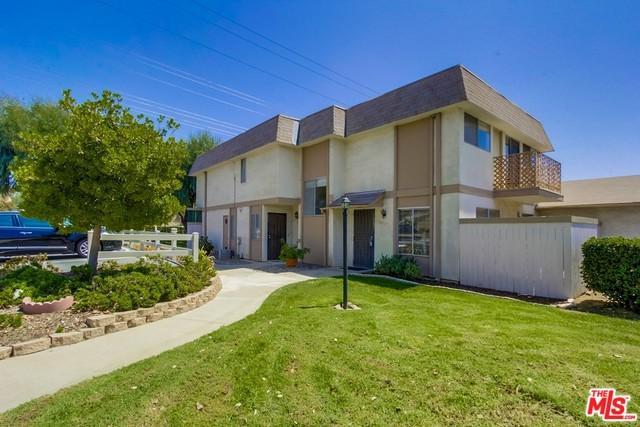 10027 Santana Ranch Lane, Santee, CA 92071 (MLS #18414254) :: The John Jay Group - Bennion Deville Homes