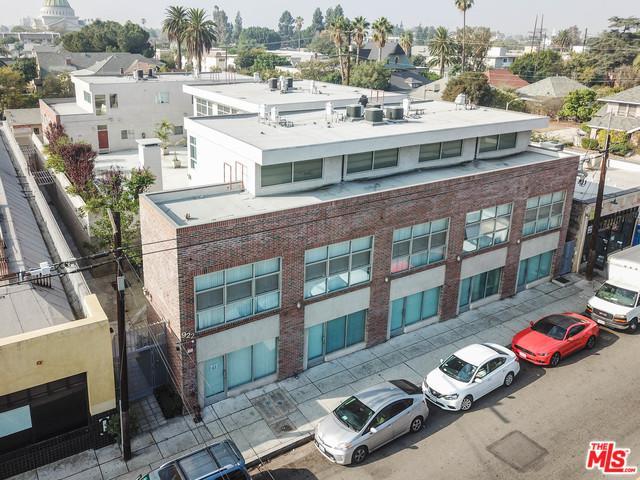 922 W 23rd Street, Los Angeles (City), CA 90007 (MLS #18414444) :: The Jelmberg Team