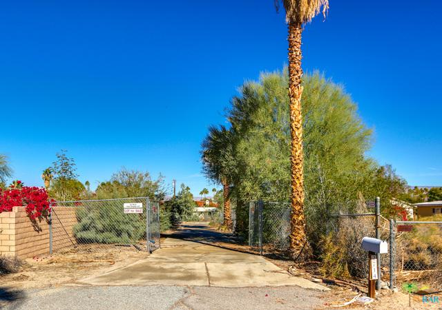 2714 Anza, Palm Springs, CA 92264 (MLS #18414620PS) :: Brad Schmett Real Estate Group
