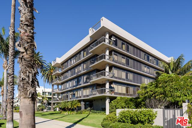 1007 Ocean Avenue #403, Santa Monica, CA 90403 (MLS #18414642) :: The Jelmberg Team