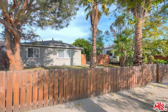 10541 Chandler, North Hollywood, CA 91601 (MLS #18415536) :: Hacienda Group Inc