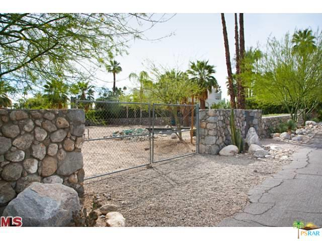 430 S Patencio Road, Palm Springs, CA 92262 (MLS #18415548PS) :: The Sandi Phillips Team
