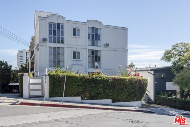 1214 N Clark Street, West Hollywood, CA 90069 (MLS #18415636) :: The Jelmberg Team