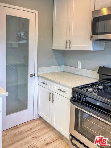 9623 S Inglewood Avenue, Inglewood, CA 90301 (MLS #18415760) :: The John Jay Group - Bennion Deville Homes