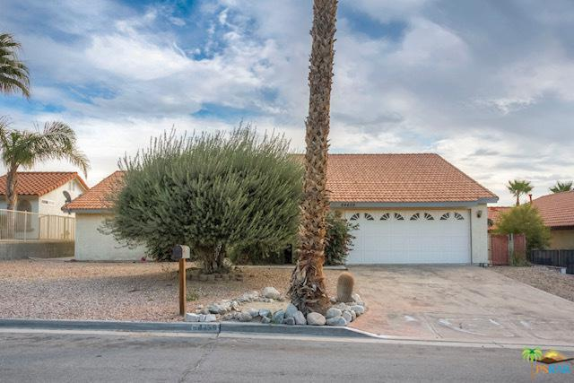 64459 Pinehurst Circle, Desert Hot Springs, CA 92240 (MLS #18415980PS) :: The Sandi Phillips Team