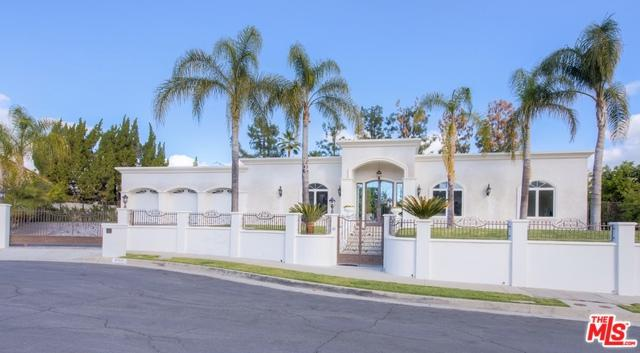 4162 Green Meadow Court, Encino, CA 91316 (MLS #18416488) :: The John Jay Group - Bennion Deville Homes