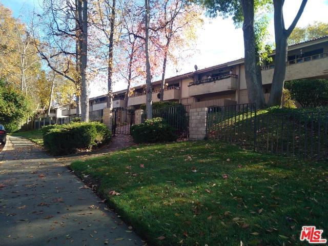 31577 Lindero Canyon Road #1, Westlake Village, CA 91361 (MLS #18416622) :: The Jelmberg Team