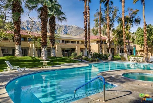 2822 N Auburn Court E215, Palm Springs, CA 92262 (MLS #18416702PS) :: Brad Schmett Real Estate Group