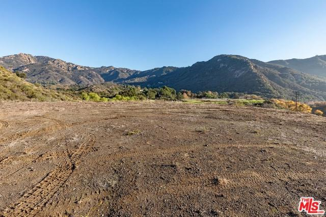 26255 Piuma Road, Calabasas, CA 91302 (MLS #18416994) :: The Jelmberg Team