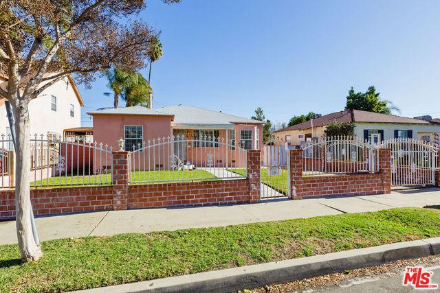 6502 Beeman Avenue, North Hollywood, CA 91606 (MLS #18417708) :: The Sandi Phillips Team