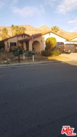 51685 Avenida Mendoza, La Quinta, CA 92253 (MLS #19418178) :: The Jelmberg Team