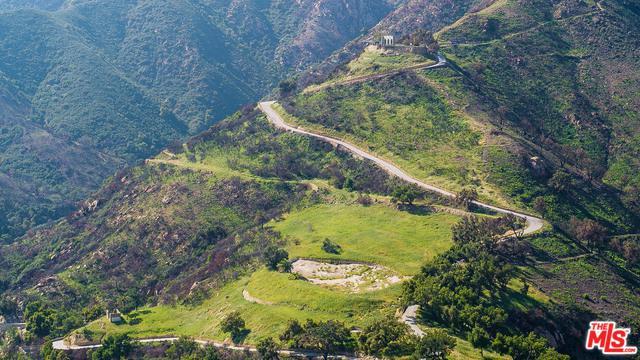 667 E Mountain Drive, Montecito, CA 93108 (MLS #19419074) :: The Jelmberg Team