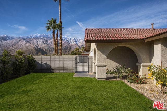 3118 E Vista Chino, Palm Springs, CA 92262 (MLS #19419278) :: The John Jay Group - Bennion Deville Homes
