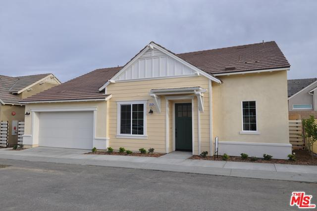 25124 Limetree Lane, Canyon Country, CA 91387 (MLS #19419310) :: The John Jay Group - Bennion Deville Homes