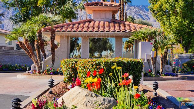 505 S Farrell Drive E27, Palm Springs, CA 92264 (MLS #19419478PS) :: The Jelmberg Team