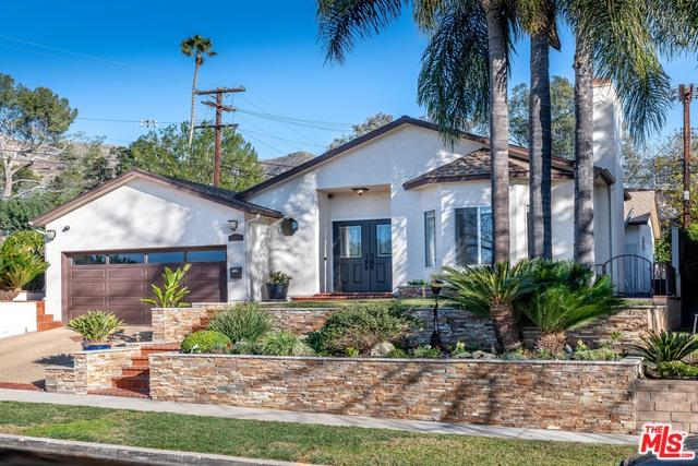 2760 N Lamer Street, Burbank, CA 91504 (MLS #19419804) :: The Jelmberg Team