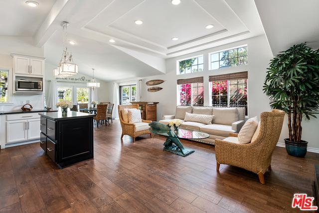 128 Paradise Cove Road, Malibu, CA 90265 (MLS #19419894) :: The John Jay Group - Bennion Deville Homes