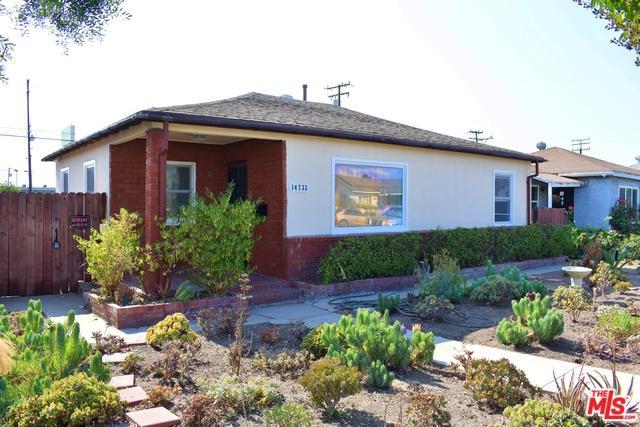 14733 Wadkins Avenue, Gardena, CA 90249 (MLS #19419898) :: The Jelmberg Team