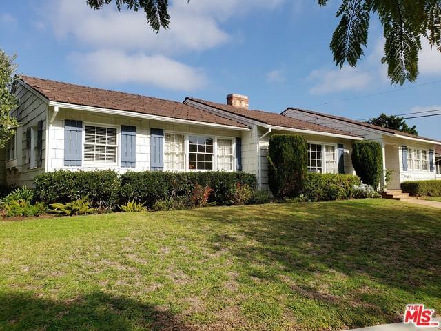 15415 Albright Street, Pacific Palisades, CA 90272 (MLS #19419974) :: The Sandi Phillips Team