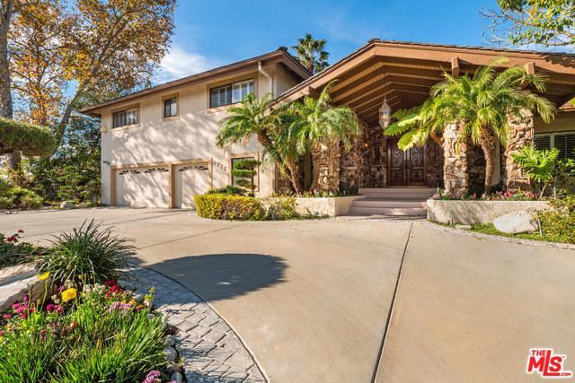 9735 Babbitt Avenue, Northridge, CA 91325 (MLS #19420174) :: The Sandi Phillips Team