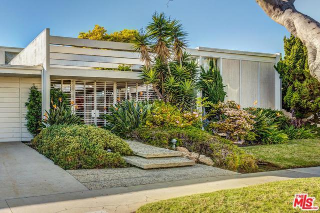 6443 S Halm Avenue, Los Angeles (City), CA 90056 (MLS #19420176) :: The John Jay Group - Bennion Deville Homes