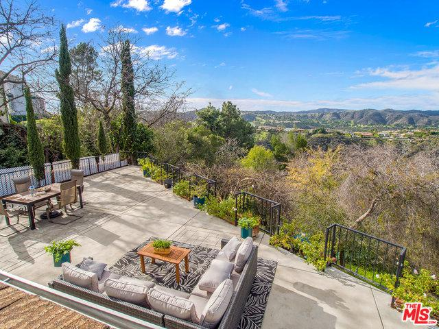 2015 Linda Flora Drive, Los Angeles (City), CA 90077 (MLS #19420484) :: The John Jay Group - Bennion Deville Homes
