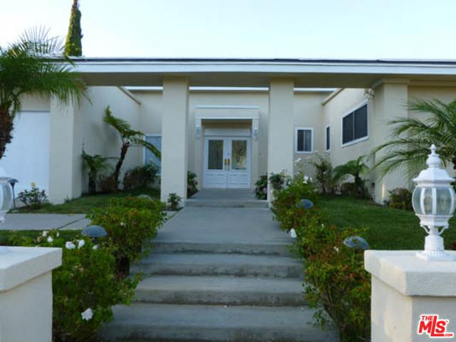 2759 Aqua Verde Circle, Los Angeles (City), CA 90077 (MLS #19420982) :: The John Jay Group - Bennion Deville Homes