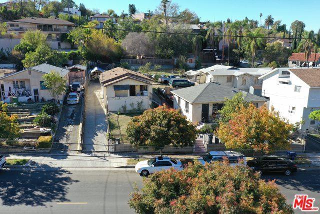 2302 W Avenue 33, Los Angeles (City), CA 90065 (MLS #19421252) :: The John Jay Group - Bennion Deville Homes