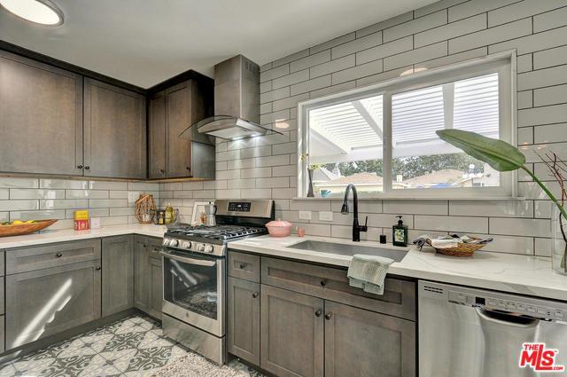 11030 Lindblade Street, Culver City, CA 90230 (MLS #19421274) :: The John Jay Group - Bennion Deville Homes