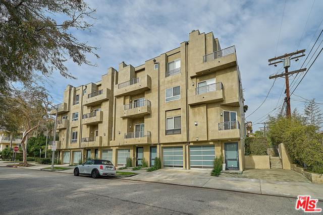 438 Arnaz Drive #106, Los Angeles (City), CA 90048 (MLS #19421342) :: The John Jay Group - Bennion Deville Homes