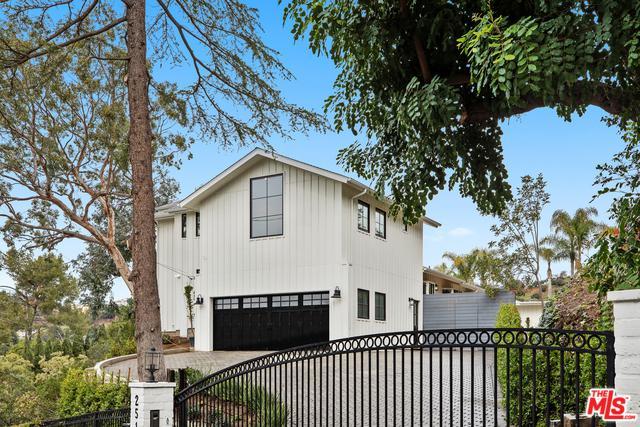 2510 Astral Drive, Los Angeles (City), CA 90046 (MLS #19421698) :: The Sandi Phillips Team