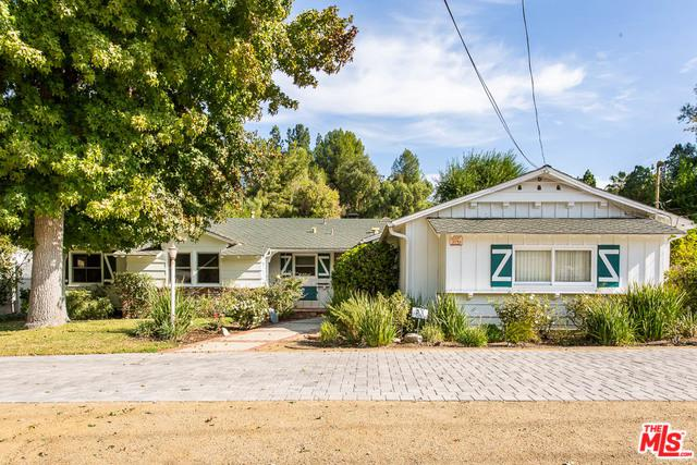 5166 Kelvin Avenue, Woodland Hills, CA 91364 (MLS #19421742) :: The Sandi Phillips Team