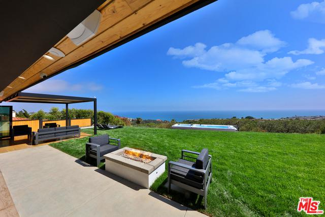 18038 Blue Sail Drive, Pacific Palisades, CA 90272 (MLS #19422112) :: The John Jay Group - Bennion Deville Homes
