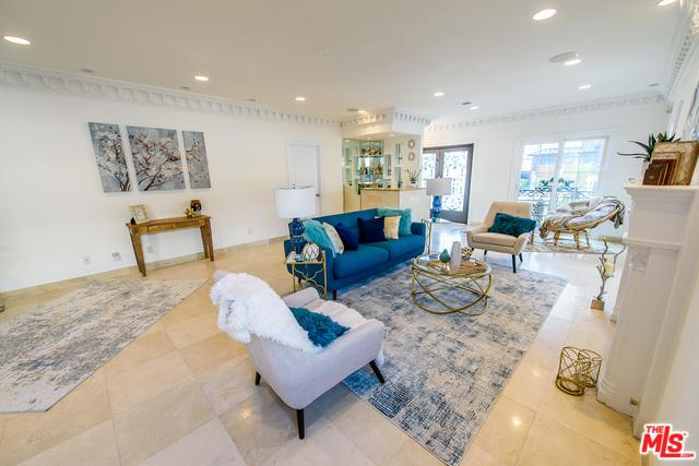 482 S Sherbourne Drive, Los Angeles (City), CA 90048 (MLS #19422884) :: The John Jay Group - Bennion Deville Homes