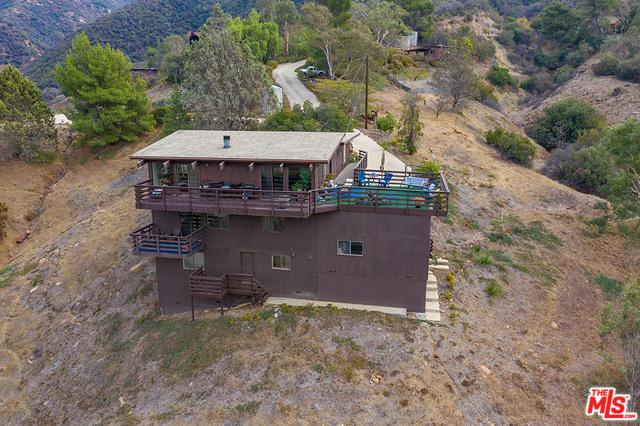 25252 Piuma Road, Calabasas, CA 91302 (MLS #19423078) :: The Jelmberg Team