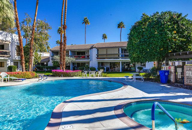 5225 E Waverly Drive #66, Palm Springs, CA 92264 (MLS #19423176PS) :: The Jelmberg Team