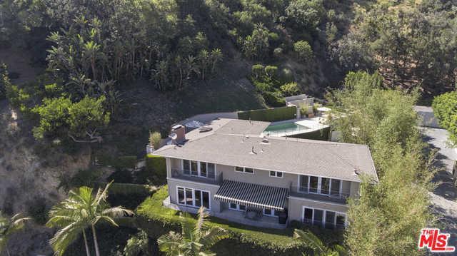 1404 Devlin Drive, Los Angeles (City), CA 90069 (MLS #19423286) :: The John Jay Group - Bennion Deville Homes