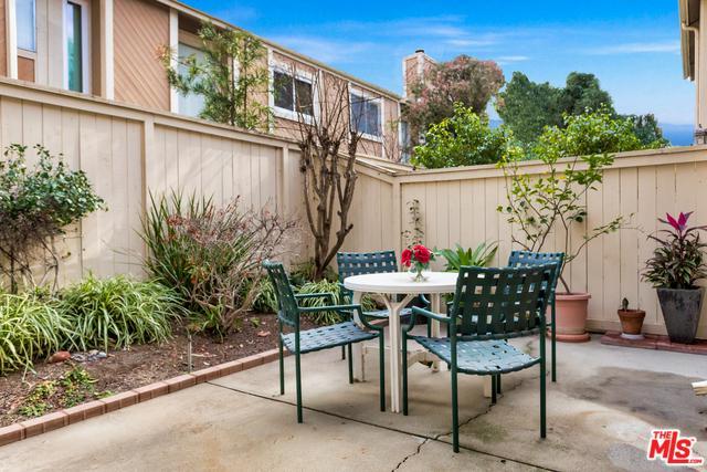 18170 Andrea Circle #2, Northridge, CA 91325 (MLS #19423342) :: The John Jay Group - Bennion Deville Homes