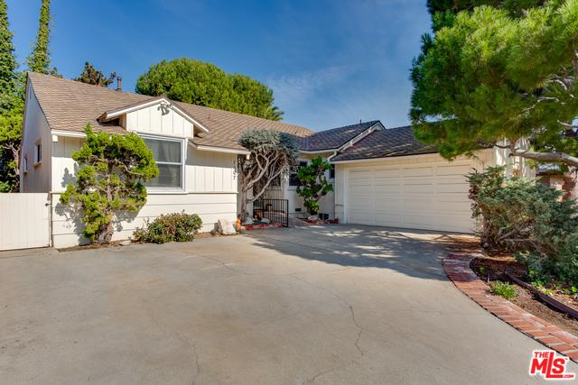 7307 W 88th Street, Los Angeles (City), CA 90045 (MLS #19423498) :: The Sandi Phillips Team